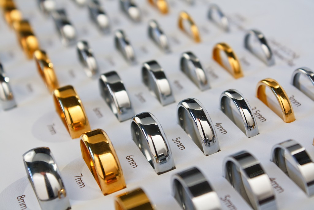 various rings and sizes