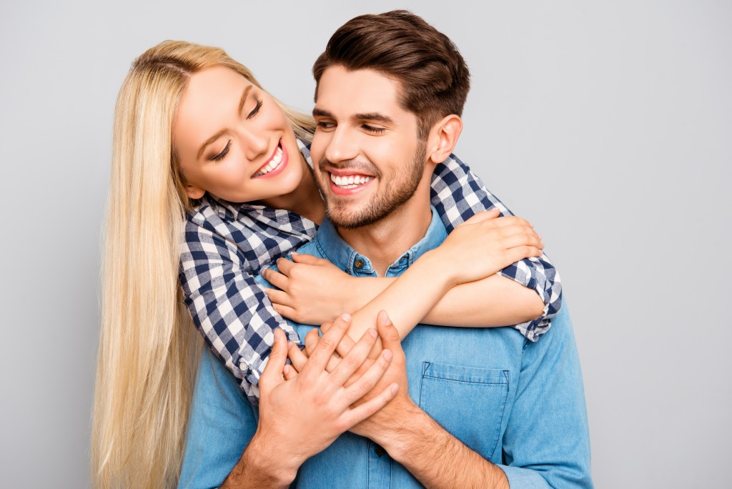 couple feeling happy